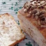 押し麦と胡桃食パン